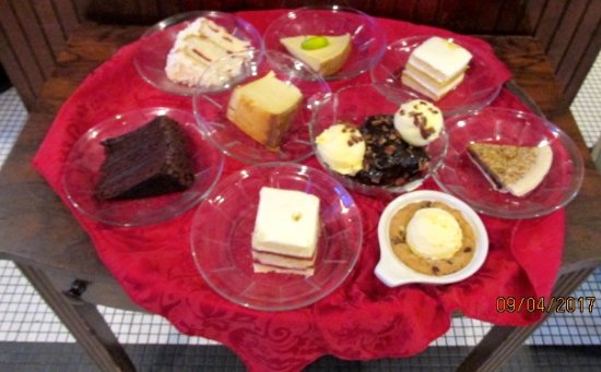 Desha's Restaurant and Bar: Desserts
