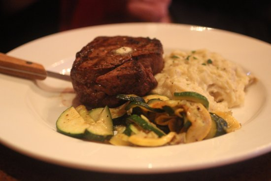 Porters - Dining at the Depot: Filet