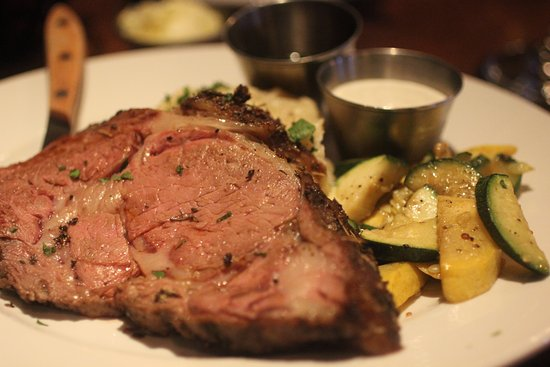 Porters - Dining at the Depot: Prime Rib, was supposed to be Med Rare..that is more like MED