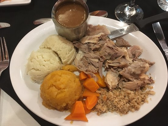 Clarenville, Канада: Roast turkey with mashed potatoes, turnip and carrots