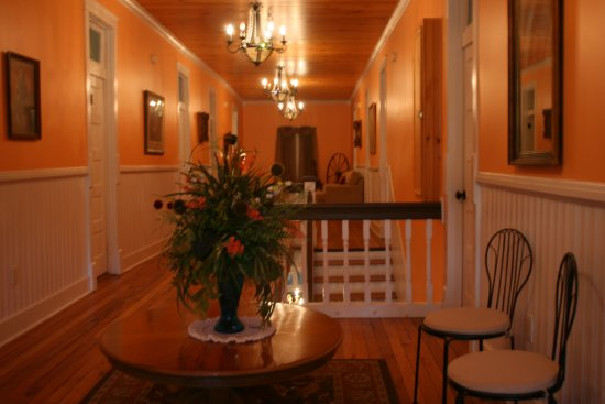 Red Boiling Springs, TN: Upstairs hall