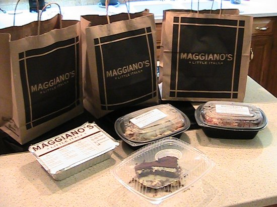 Maggiano's Little Italy: Felt like a bag man!