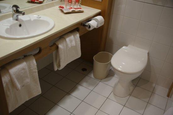 James Cook Hotel Grand Chancellor: Room 1709 bathroom