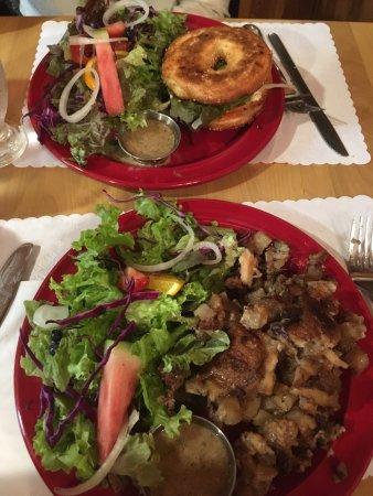 Sainte-Rose-du-Nord, Kanada: Bagel saumon & Tourtière
