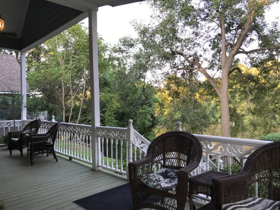 Violet Hill Bed and Breakfast: photo2.jpg