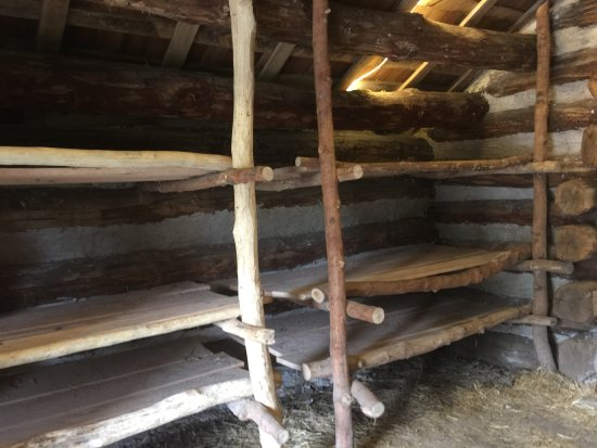 Valley Forge National Historical Park: Reconstruction of a soldier's wooden hut with bunks.