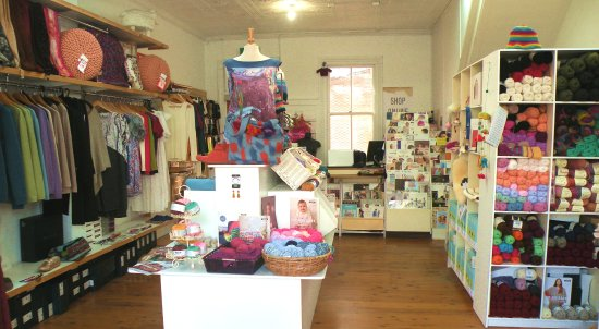Young, Australia: Come in and browse