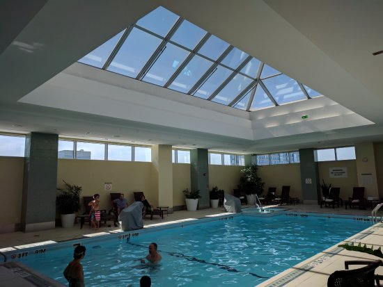 The Westin Boston Waterfront: Loved the indoor heated pool!