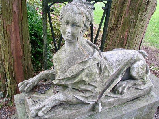 Ringwood, NJ: quirky statuary