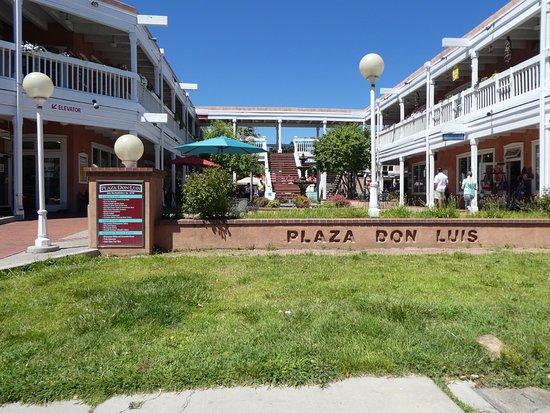 Albuquerque Old Town: PLAZA DON LUIS