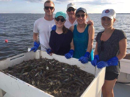Manteo, Carolina do Norte: NC Crabbing & Shrimping!