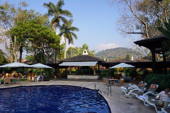 Porta Hotel Antigua : Piscina temperada
