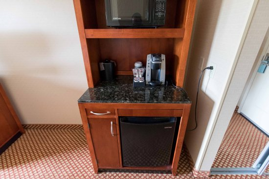 Fridge and Microwave Picture of Hilton Garden Inn Mystic Groton