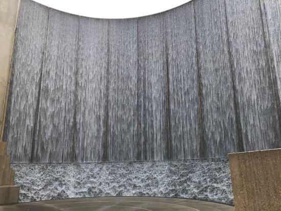 Water Wall: photo0.jpg