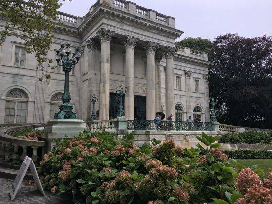 Newport Mansions: photo2.jpg