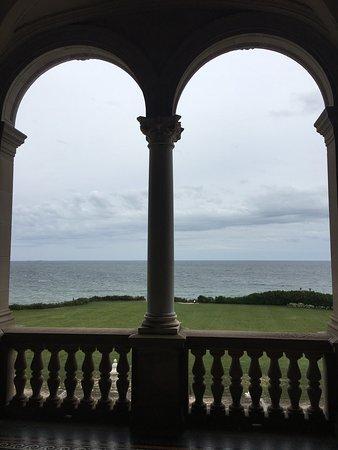 Newport Mansions: photo3.jpg