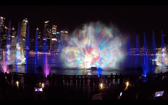 Spectra- A Light And Water Show: Spectra <3