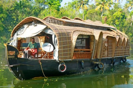 Private Cochin Tour with Backwater Houseboat cruise and Kathakali...