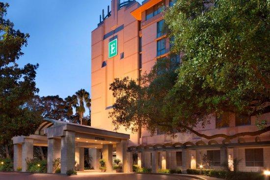 Embassy Suites By Hilton Tampa Usf Near Busch Gardens Fl Omd Men Och Prisj Mf Relse