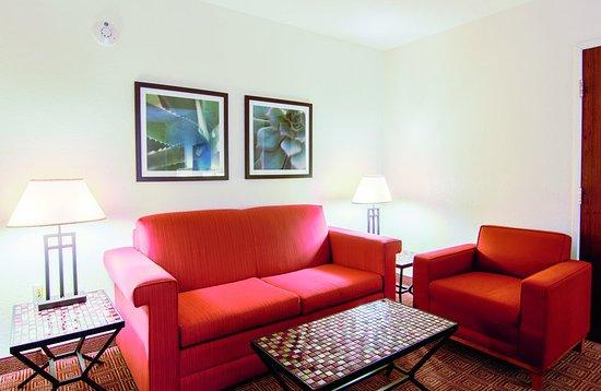 Bannockburn, IL: Suite