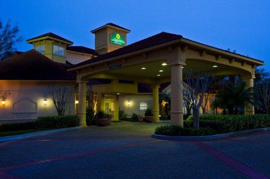 Tampa near busch gardens tampa fl hotel 33612 la autos post for Days inn tampa north of busch gardens