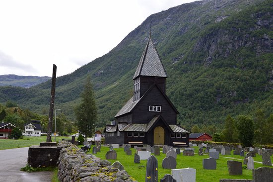 Roldal, Norge: Chiesa con cimitero