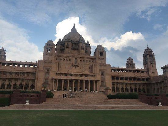 Umaid Bhawan Palace Jodhpur: Palace form the lawns