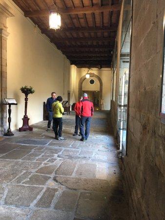 Hospederia San Martin Pinario: エントランス アプローチ
