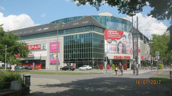 Csaba Center