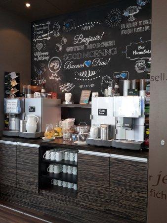 Motel One Salzburg-Süd: Sehr frisches und leckeres Frühstück.  Viele Bioprodukte. Absolut zu empfehlen!