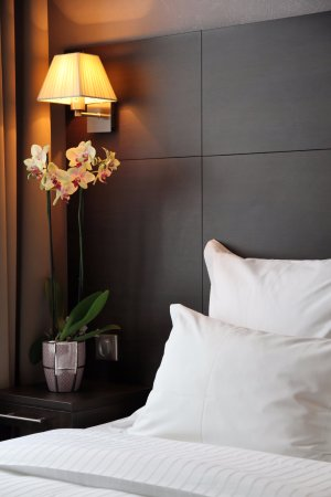 Chambre double classique - Picture of Hotel L\'interlude, Paris ...