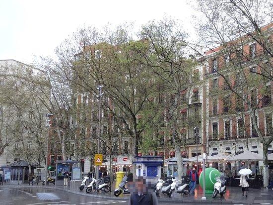 Hotel Hospes Puerta de Alcala Photo