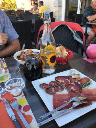 Rapale, France: bignè brocciu