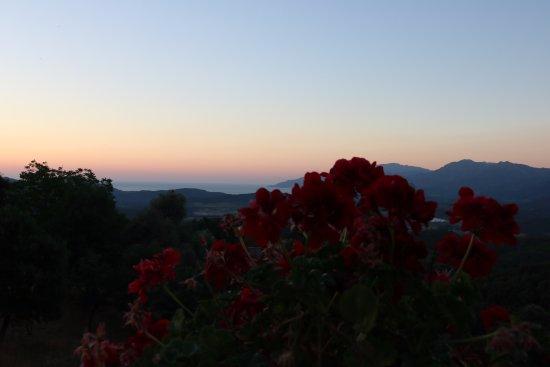 Rapale, France: panorama dal tavolo