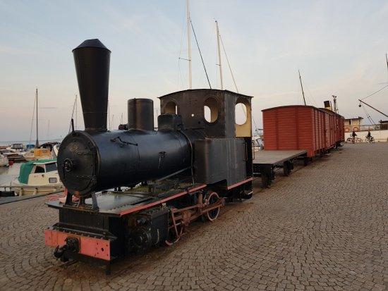 Hjo, Sverige: 20170815_202325_large.jpg