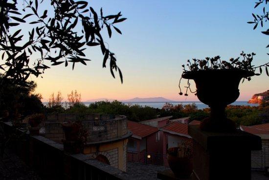 Piraino, Italia: vista sulle Eolie dall'anfiteatro