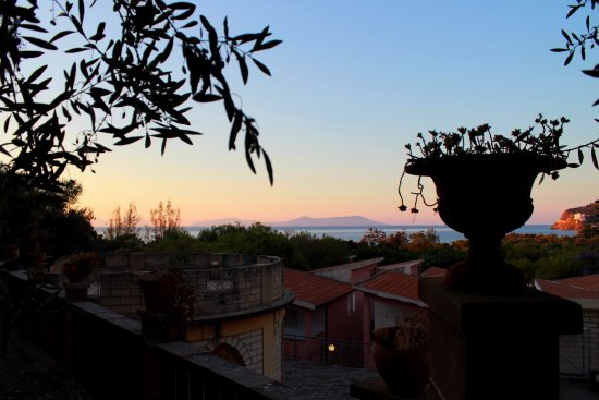 Piraino, Taliansko: vista sulle Eolie dall'anfiteatro