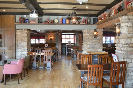 Brackley, UK: The Plough- Interior