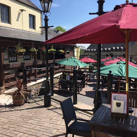 Brackley, UK: Our Beer Garden