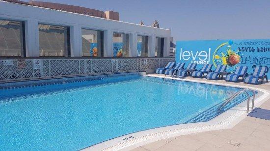 Crowne Plaza Abu Dhabi: Blue Water