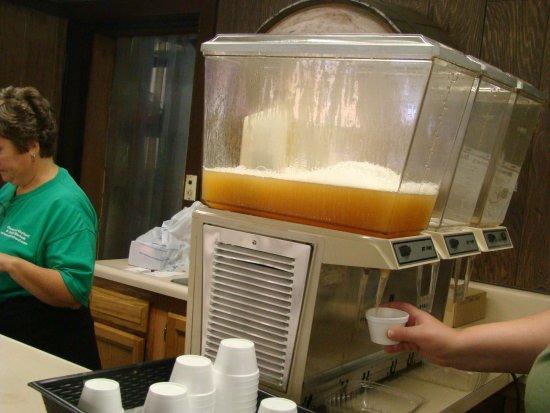 LaPorte, IN: free fresh apple juice