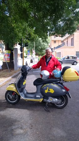Umbria in Vespa Photo