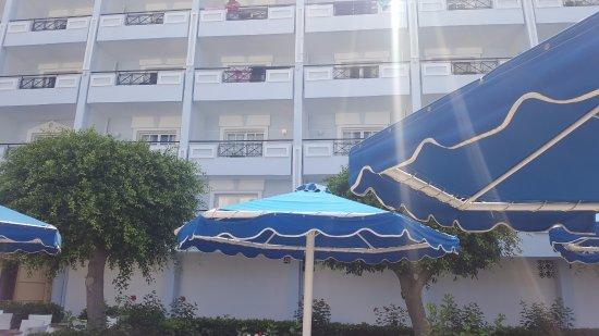 Mitsis Grand Hotel Beach Hotel: Room 265 balcony from poolside