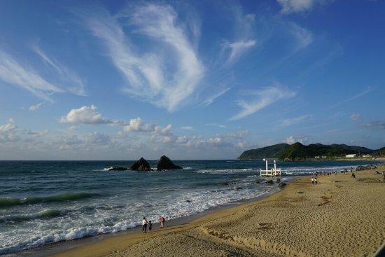 Sakurai Futamigaura: 左側からの全景