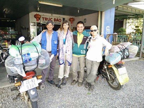 Dalat Easy Rider Club: En nuestro viaje, con Ho Duc y Gon Nguyen