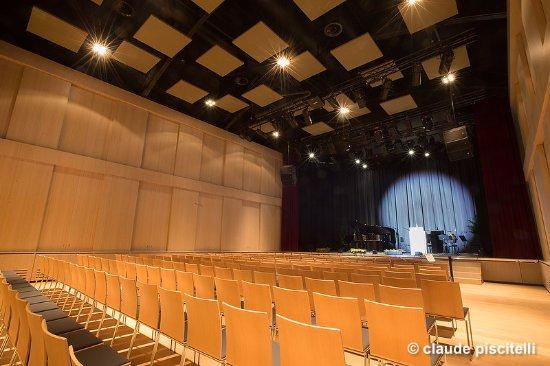 Differdange, Luxembourg: Salle de spectacle