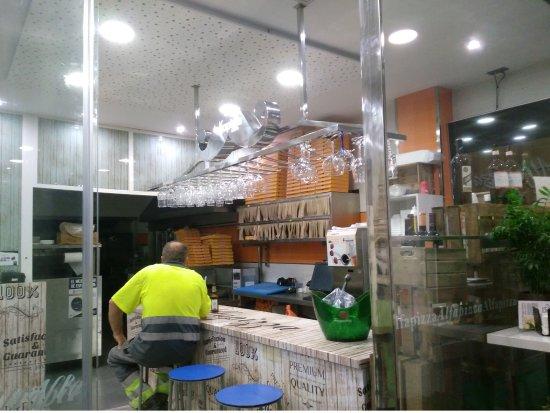 Alfacar, İspanya: Interior y barra.
