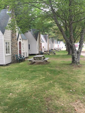 Thornton, NH: Little cottages