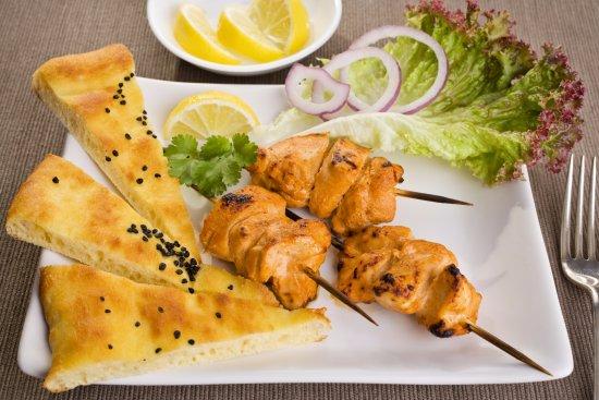 Ilford, UK: Naan and Chicken Tikka