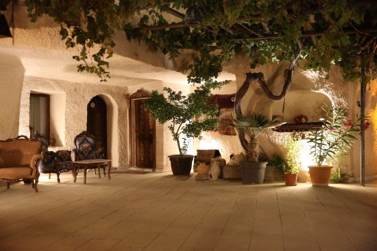 1 Hermes Cave Hotel